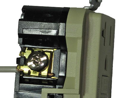 Receptacle Wiring Slide-in terminals